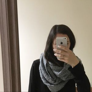 Accessories - 3/$20 cozy gray infinity scarf